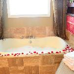 romantic tub for two in Southern Grace Suite