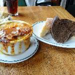 Incredibe French Onion soup and bread