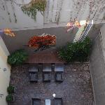 Patio interno - vista superior da varanda do quarto 302.