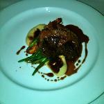 Grilled angus hanger steak, roast carrots, parsnip puree, pink peppercorn & confited garlic jus