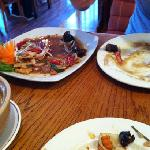 gorgeous garlic chilli chicken on the left