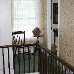 Hallway between 2 rooms
