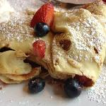 strawberry and blueberry crepes