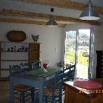 dining farmhouse