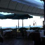 buon ristorante e panorama suggestivo!