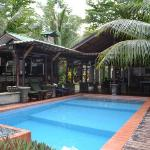 Pool und Bar Bereich