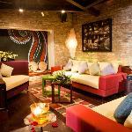 Son Tinh LoungeBar (1st floor)