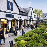 Cheshire Oaks Designer Outlet outside Polo