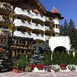 Photo of Hotel Piz Galin