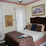 Anna's Room, with a queen-size bed
