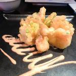 Tempura prawns with creamy chilli sauce
