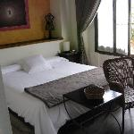 Friendly furnished room