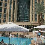 Vom Pool zum Hotel