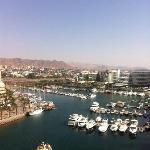 Ausblick in die Lagune mit dem Hafen von Eilat