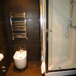 すっきりしたシャワールーム