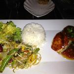 fish with chutney, veggies and rice