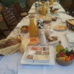 Last week we had a big familly for a few days. this is how theire breakfast looked like