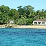 Restaurant, Bar and jetty/beach