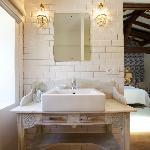 The Trellis bathroom