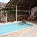 Invigorating pool