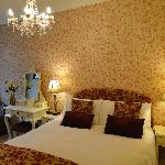 De Luxe Double En-suite room no longer available