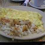 Cheese omelette with hash browns