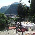 Terraza hotel para desayunar con increible vista