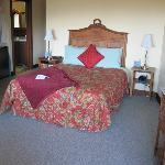 Comfortable bed & bedding; good light