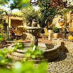 Mediterraner Innenhof im Restaurant Oliveto