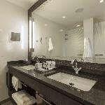 Bathroom Club Deluxe