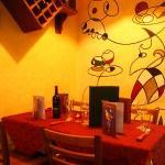Photo de Harlequin Cafe and Wine Bar