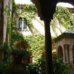 Il bellissimo chiostro di villa Cimbrone