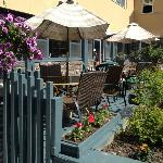 Enjoy afternoon food & drink specials on our cafe patio.