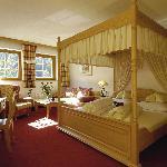 Himmelbettzimmer im 1. Alm wellness Hotel Tuffbad