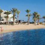 Pioneer Beach Hotel - Beach
