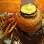 Angus Burger w/beer braised onion