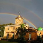 dyesterday's double rainbow phot by Geoff Wyatt shows up the gorgeous colours and building that