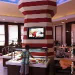 Детский ресторан. Еда и мультики
