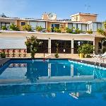 Fitos Inn Guest House
