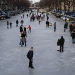 Skating on the Keizersgracht