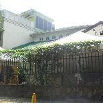 la vista por fuera del hostel