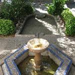 Gartenanlage mit Brunnen