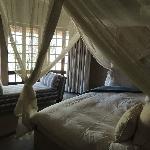 Chambre, lit et draps de grande qualité