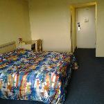 Motel 6 LAX_Rm628-4