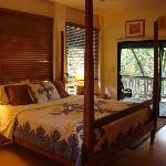 Master bedroom - Plumeria Suite