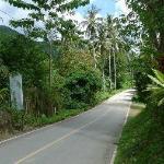 Route menant vers l'hôtel