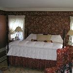 King Bed in Stockbridge Suite