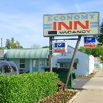 Economy Inn Willows CAExterior