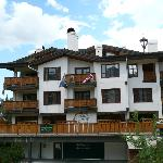 The Goldener Hirsch Inn