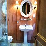 Pimlico Room Bathroom